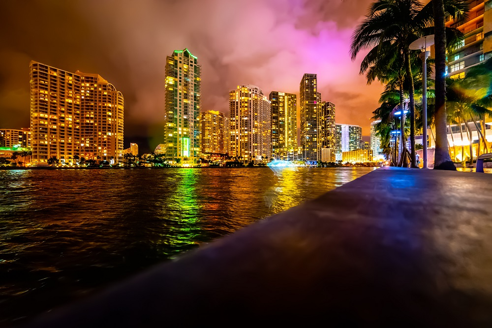 Miami Welcomes Super Bowl with LED Lights
